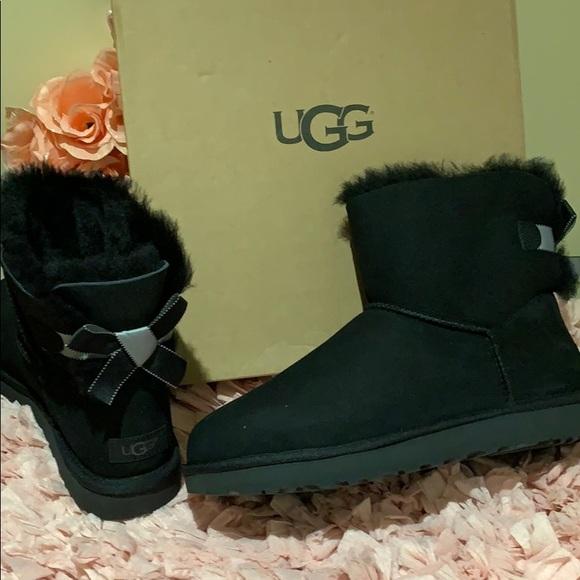 5258cdb41ed Ugg Bailey bow shimmer black boots nwt NWT